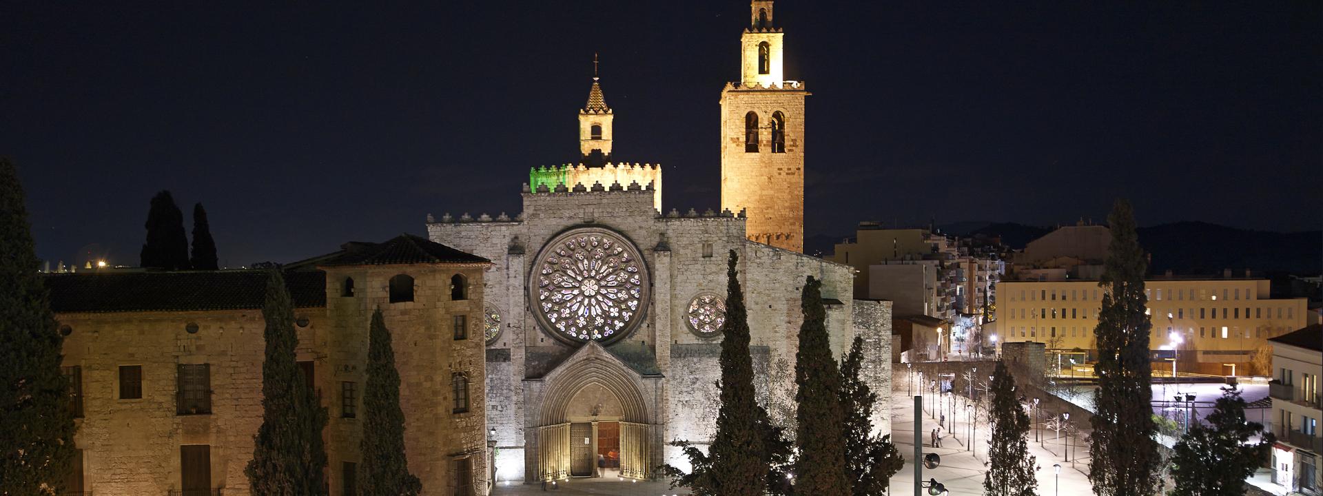Monestir de Sant Cugat del Vallès de nit